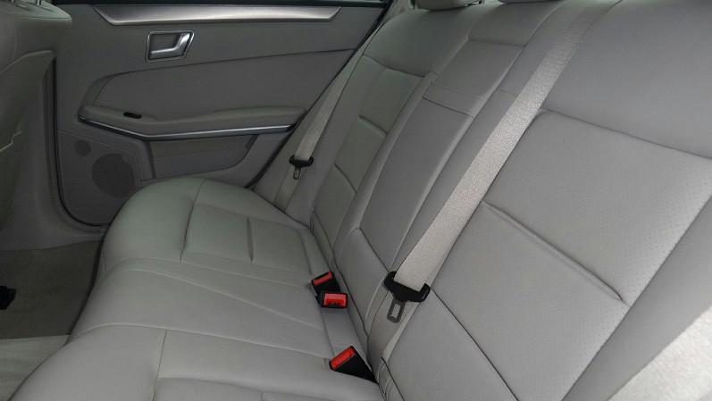 Mercedes-Benz E220 CDI - interior