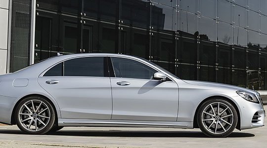 Corporate chauffeured car hire